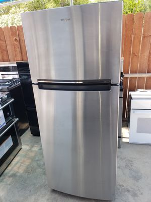 Whirlpool Top-Freezer refrigerator New (Open box appliance) for Sale in Los Angeles, CA