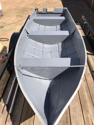 14 foot aluminum boat for Sale in Tucson, AZ