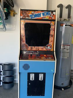 Donkey Kong Video Game CLASSIC NINTENDO for Sale in Bonita Springs,  FL