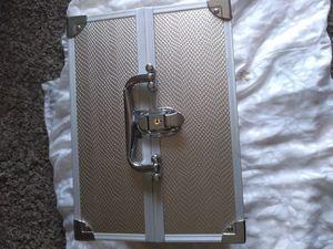 Soho Beauty skin tight beauty case for Sale in Stockton, CA