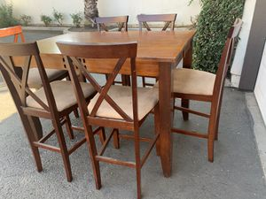 GREAT DINING TALL TABLE 6 CHAIRS for Sale in Fresno, CA
