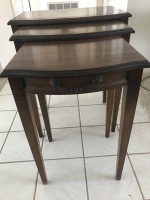 Nesting tables..set of 3. W/lamp for Sale in Belleair Bluffs, FL