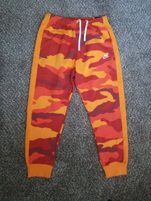 Nike Sportswear Club Fleece Camo Joggers Red Orange Sz L Large Mens for Sale in North Las Vegas, NV
