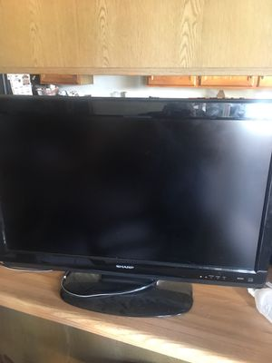 Sharp TV 32 inches 2010 for Sale in Mesa, AZ