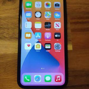 iPhone 11 - 128GB Black Unlocked for Sale in Miami, FL