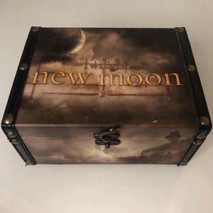 The Twilight Saga New Moon ( 8.5 Inches ) Keep Sake Box for Sale in Beachwood, NJ