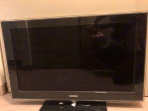 "40"" Samsung HD TV for Sale in Seattle, WA"