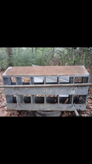 12 hole nesting box for Sale in Thorsby, AL