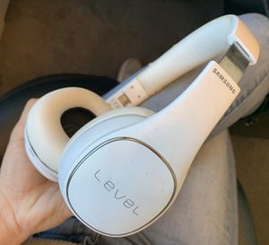 Samsung Level On Wireless Noise Canceling - ANC - NFC Headphones White - Universal Bluetooth for Sale in Pasadena, CA