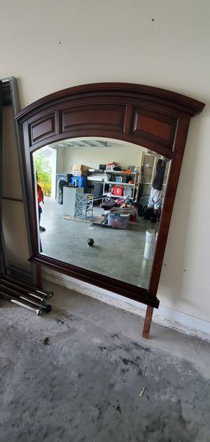 FREE Dresser Mirror for Sale in Ruskin, FL