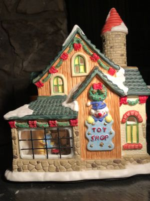 CHRISTMAS 🎄 VILLAGE PORCELAIN TOY SHOP HOUSE for Sale in Long Beach, CA