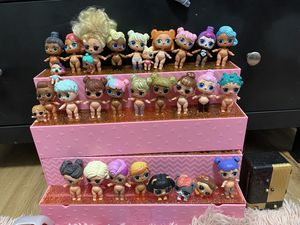 30 LOL Dolls + 100 Accessories for Sale in Vancouver, WA