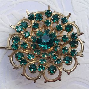 vintage Emerald rhinestone costume jewelry: pin/brooch for Sale in Fresno, CA