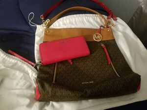 Purse with Wallet for Sale in Waterbury, CT