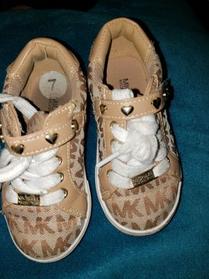 MICHAEL kors size 7 for Sale in Los Angeles, CA