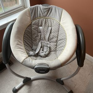 Graco Baby Swing for Sale in Cranberry Township, PA