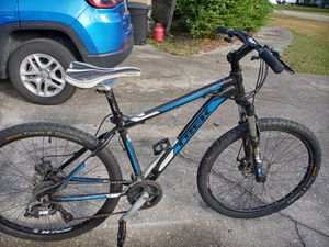 "Trek 3 Series Mountain bike with disc brakes, 16"" frame, 26"" tires - $220 FIRM. for Sale in Wesley Chapel, FL"