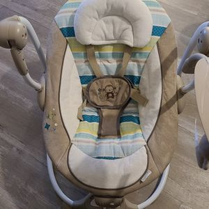 Baby Swing/chair for Sale in Vancouver, WA