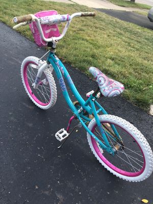 20 inches girls bike for Sale in Columbus, OH