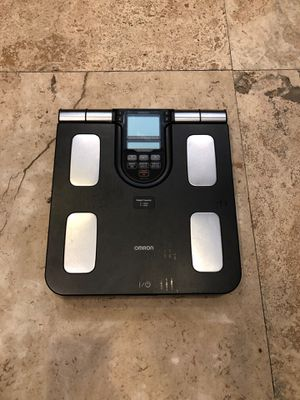 Scale - with body fat and body age for Sale in Miami, FL