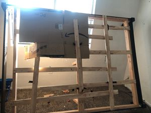 Free Queen bed frame for Sale in Bakersfield, CA