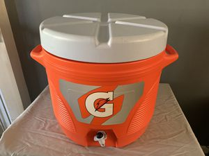Gatorade Cooler with bottles and carriers for Sale in West Chicago, IL