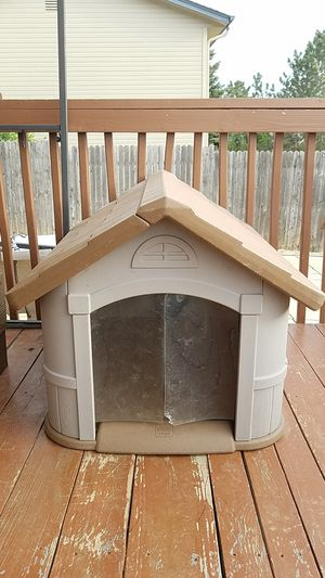 Dog house for Sale in Aurora, CO