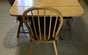 Kitchen table for Sale in Rock Island, IL