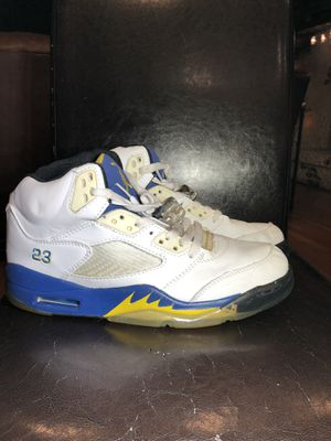 Air Jordan Retro 5 Laney basketball shoes size 11 *comes with a Jordan draw string sack (See last picture) for Sale in Naperville, IL