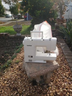 Singer Sewing Machine needs work *FREE* for Sale in San Jose, CA