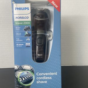 Philips Norelco Shaver 2300 for Sale in Glendale, AZ