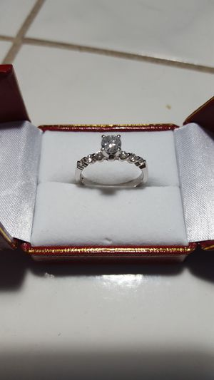 WAS $3,100!! BRAND NEW CLASSY AND ELEGANT DIAMOND SOLITAIRE ENGAGEMENT RING WITH CERTIFIED APPRAISAL (SEE PIC # 2 FOR SPECS) 14KT for Sale in Providence, RI