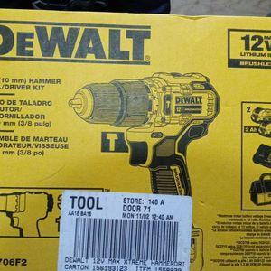 Dewalt Rill And Dewalt Light for Sale in Puyallup, WA