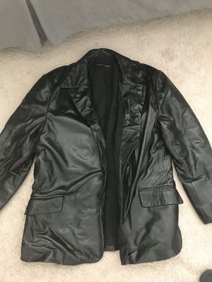 Men's Kenneth Cole Leather Jacket size L for Sale in Lynchburg, VA