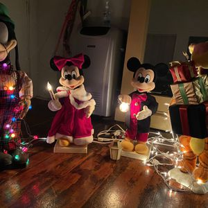 Vintage Disney Animatronics for Sale in Los Angeles, CA