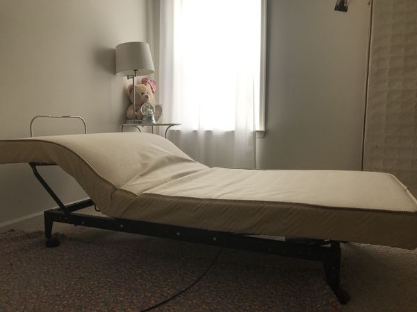 Adjustable comforter bed twin size with mattress