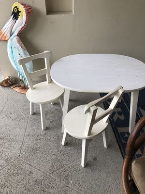 Solid wood kids table and 2 chairs for Sale in Deerfield Beach, FL