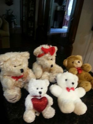 5 Stuffed Bears Great for Valentine's day $15/all for Sale in Brandon, FL