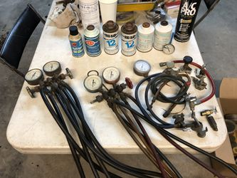 Auto A/C Air Condition Conditioning Servicing tools with Freon Refrigerant R12 and R134 for Sale in Westchester,  CA
