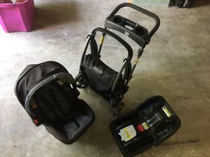 GRACO infant carrier for Sale in Arlington, TX