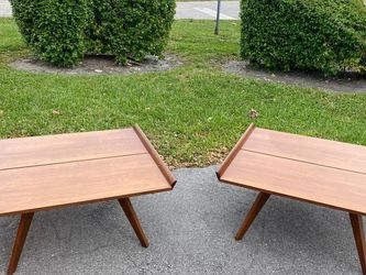 Coffee Table // Good Condition // Delivery Negotiable for Sale in Miami,  FL