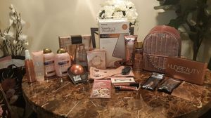 New Womens Christmas Large Gift Set!(Firm Price) for Sale in Clovis, CA