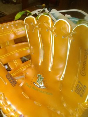 (2)Softball gloves identical for Sale in Colorado Springs, CO