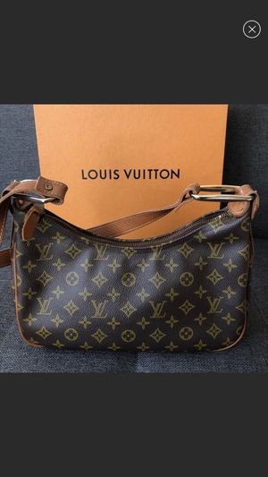 Authentic Louis Vuitton vintage shoulder bag for Sale in Belmont, CA