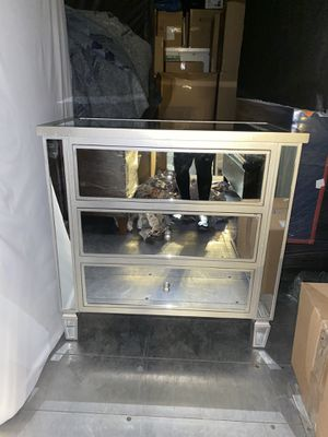 Mirrored dresser for Sale in Homestead Base, FL