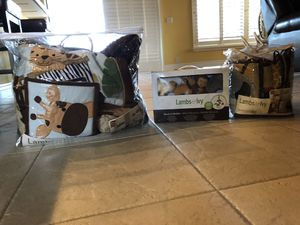 Lambs and Ivy Safari crib set and musical mobile for Sale in Boca Raton, FL