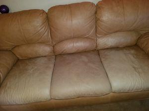 juego de sala de 4 piezas fusión para tres personas un sillón para dos personas en un sillón para una persona y su mesita for Sale in Sterling, VA