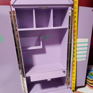 American Girl Closet, Dest, And Organizer. for Sale in Lansing, IL