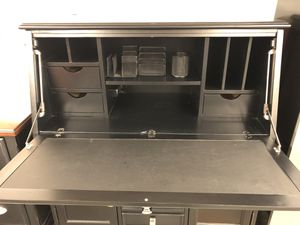 Free desk for Sale in Port Orchard, WA