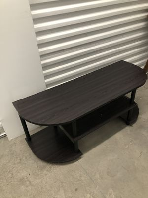 Small Tv stand 42x15 H 16 for Sale in Las Vegas, NV